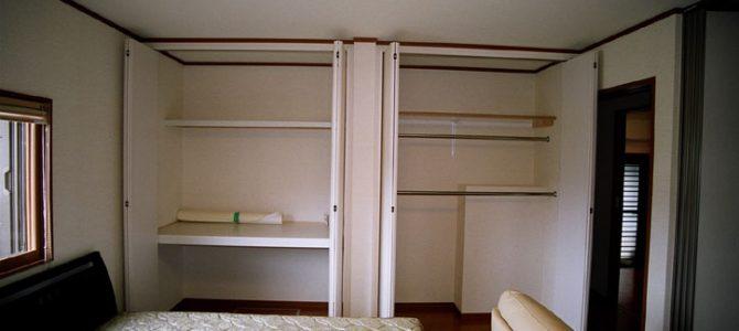ベッドルーム クローゼット