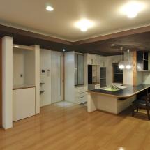 M邸 キッチン、リビングダイニング